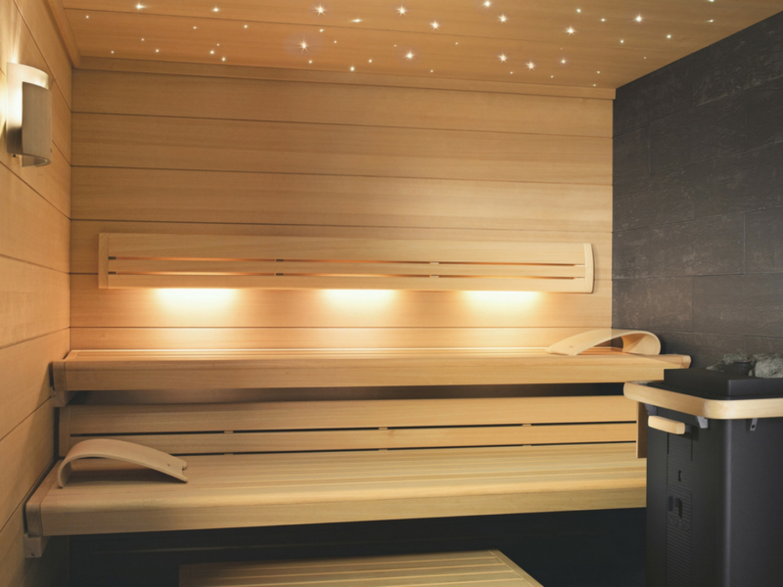 27489eec416 KLAFS biedt u diverse etherische saunageuren die u tijdens een opgietsessie  in de tweede of derde saunasessie kan toevoegen.